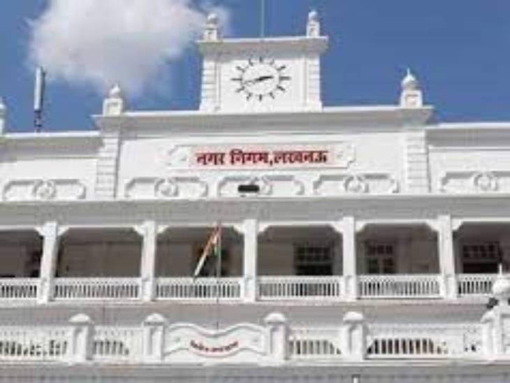 नगर निगम लखनऊ में खराब गाड़ियों के नाम पर भरवाया जा रहा था डीजल, पेट्रोल पपं मालिक को भी नोटिस|लखनऊ,Lucknow - Dainik Bhaskar