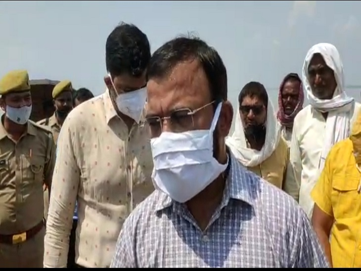 400 गांवों पर मंडराया बाढ़ का खतरा, नोडल अधिकारी ने लिया जायजा, बोले- बांध पर कोई खतरा नहीं|आजमगढ़,Azamgarh - Dainik Bhaskar