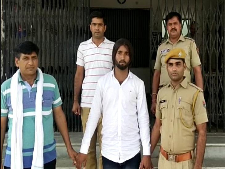 एफआईआर वापस लेने और जान से मारने की धमकी देने वाला आरोपी रणजीत सिंह उर्फ अजीत गुर्जर गिरफ्तार, मुख्य आरोपी लोकेश गुर्जर अभी भी फरार|झुंझुनूं,Jhunjhunu - Dainik Bhaskar