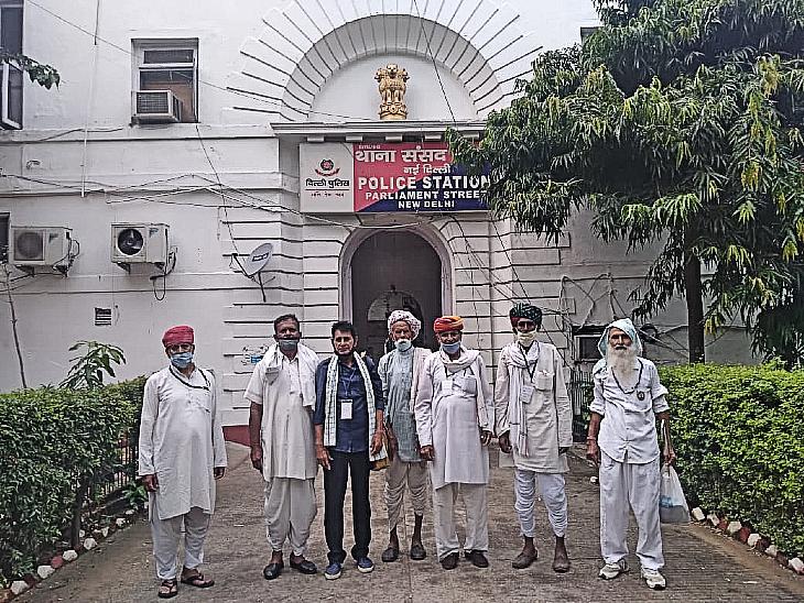 पिछले 63 दिनों से संसद मार्ग थाना पुलिस रोज़ ले रही हिरासत में, फिर भी जंतर-मंतर करते हैं कूच, MSP पर फसल खरीद की है मांग|राजस्थान,Rajasthan - Dainik Bhaskar