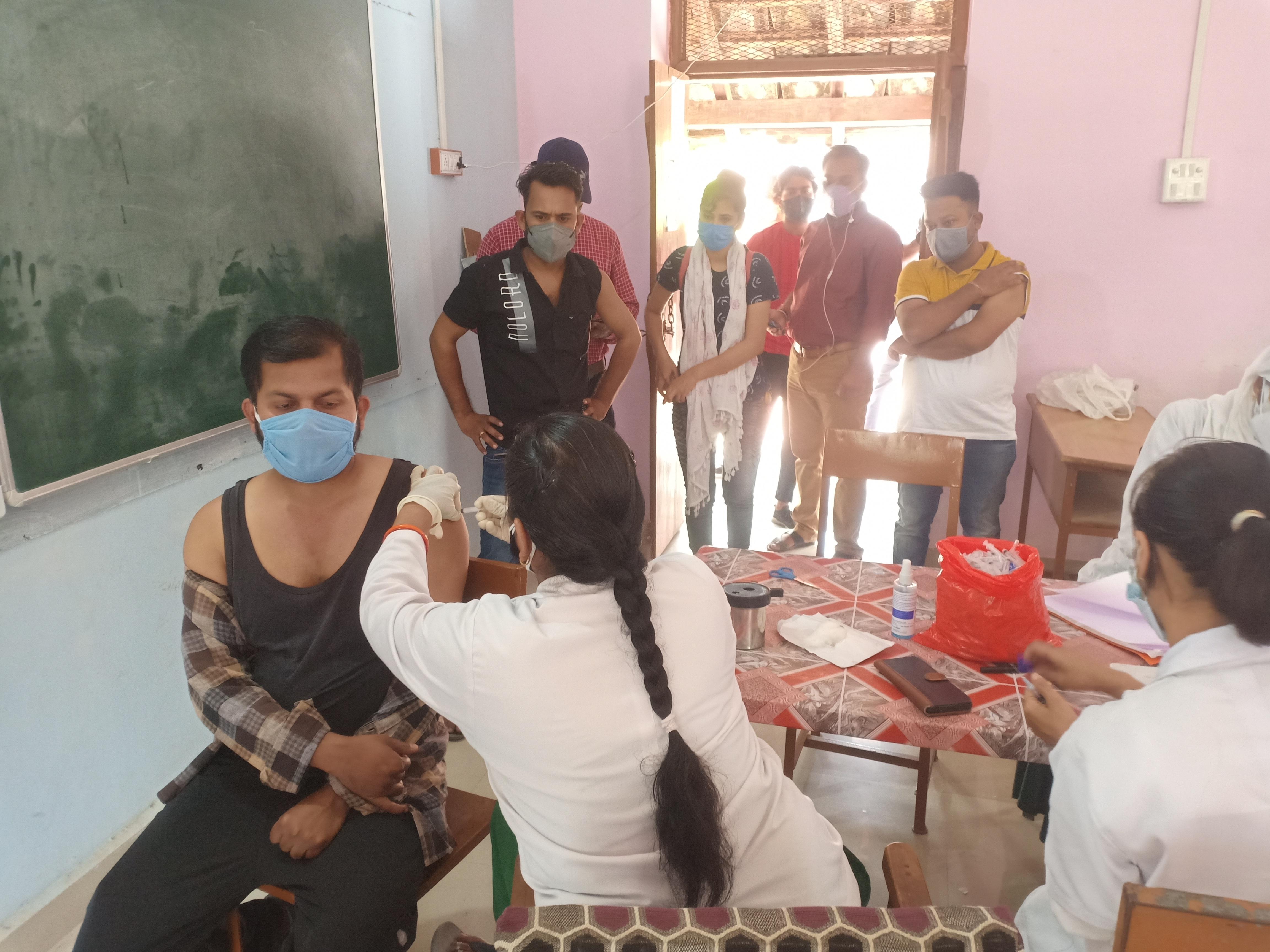 सागर जिले में आज 266 केंद्रों पर टीकाकरण होगा। - Dainik Bhaskar