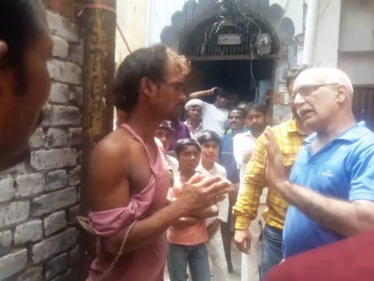 गल्ला मंडी में हाथ वाली ट्रॉली चुराकर छिपा दी थी, कारोबारियों ने पीटने के बाद बिना कपड़ों के घुमाया, 4 अरेस्ट|लखनऊ,Lucknow - Dainik Bhaskar