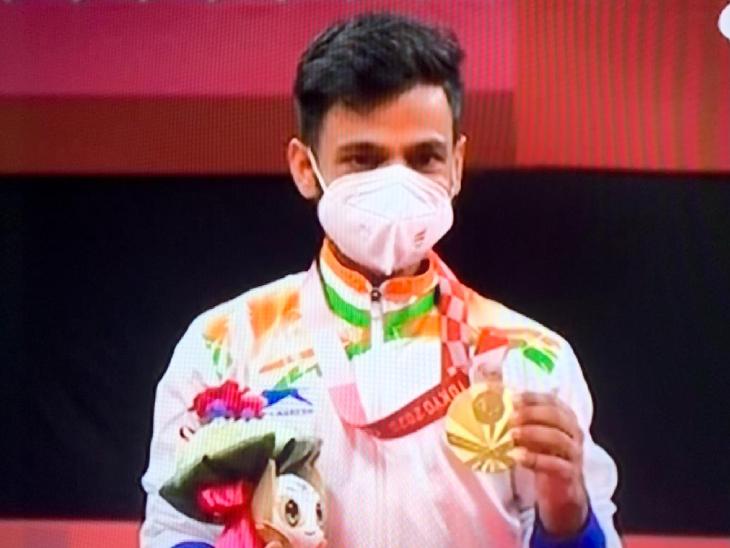 टोक्यो पैरालिंपिक बैडमिंटन प्रतियोगिता में जीता गोल्ड मेडल, SH-6 कैटेगरी बैडमिंटन फाइनल में हांगकांग के चु मान केइ को हराया|जयपुर,Jaipur - Dainik Bhaskar