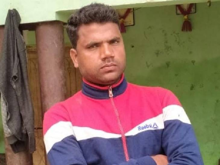 घर के बरामदे में सो रहे थे पति-पत्नी, हत्यारे गोली मारकर हुए फरार; पत्नी की चीख पुकार पर पहुंचे गांव वाले, घर का अकेला कमाने वाला था|बदायूं,Badaun - Dainik Bhaskar