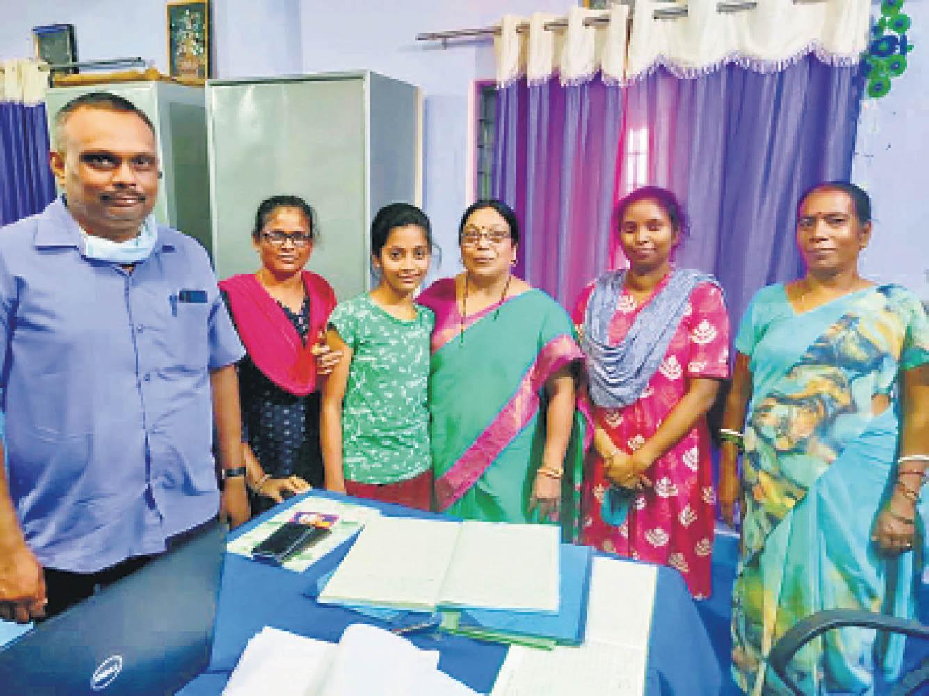माता-पिता ने रिश्ता तय किया तो बेटी ने विरोध किया, शिक्षिका समर्थन में आईं, कहा- थाने में शिकायत करूंगी; शादी रुकी|रांची,Ranchi - Dainik Bhaskar
