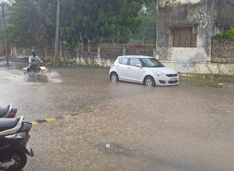 दिन भर छाए रहे बादल, शाम को बरसे; आखिर लोगों ने गर्मी से कुछ राहत महसूस की पाली,Pali - Dainik Bhaskar