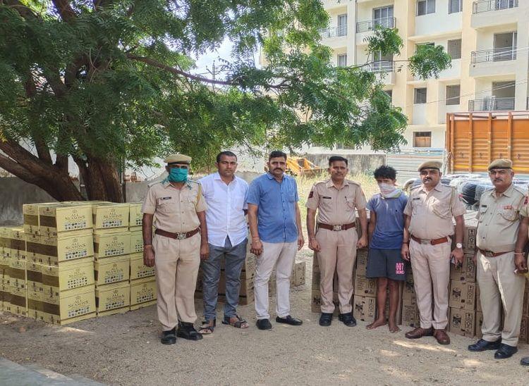 गुजरात ले जा रहे थे अंग्रेजी शराब के 315 कार्टून, नाकाबंदी कर पुलिस ने ट्रक खाली करवाया; फिर हुआ खुलासा|पाली,Pali - Dainik Bhaskar