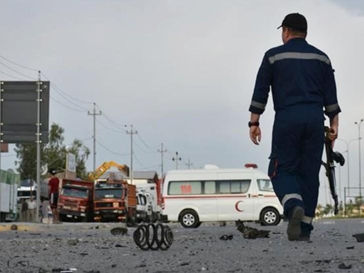 पुलिस अधिकारी ने बताया कि ISIS ने फेडरल पुलिस चेकपॉइंट को निशाना बनाया। IS के दहशतगर्द पहले भी सुरक्षाकर्मियों पर हमला कर चुके हैं। - Dainik Bhaskar