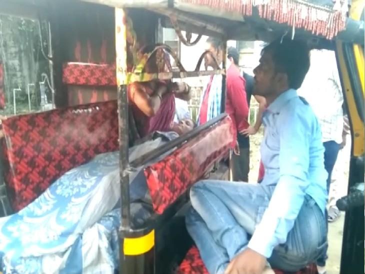 बगहा में ससुराल वालों ने महिला को फंदे से लटकाया, मायके वालों का आरोप- दहेज नहीं दिया तो हत्या कर दी|बगहा,Bagha - Dainik Bhaskar