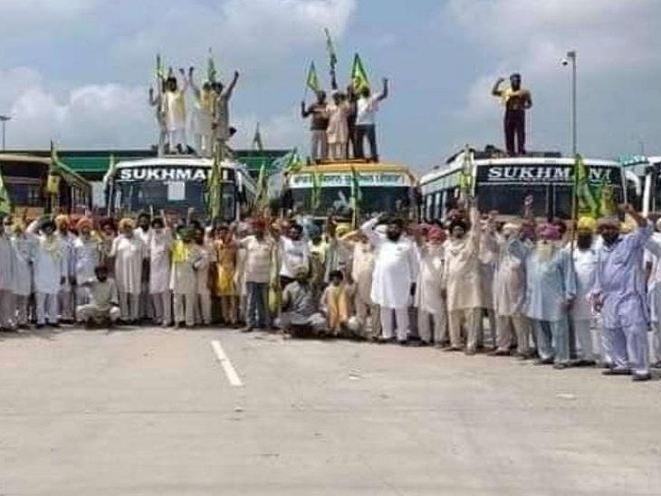 मुजफ्फरनगर में सम्मलेन के लिए रवाना होते किसान।