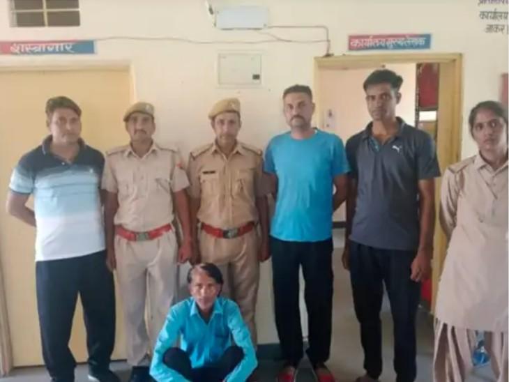 दिन दहाड़े एक मकान में घुसकर चुराए गहने, 24 घंटे में ही पुलिस ने पकड़ा, निशानदेही पर चोरी का माल किया बरामद|टोंक,Tonk - Dainik Bhaskar