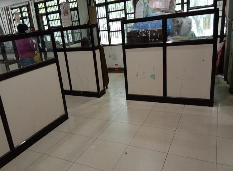 रीजनल ट्रांसपोर्ट सेक्रेटरी को पहली मंजिल का कमरा शिफ्ट करने को कहा; RTA के क्लर्क बोले : 20 लाख खर्च किए, ऐसे कैसे खाली कर दें|जालंधर,Jalandhar - Dainik Bhaskar
