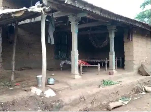 अरावली जिले के मेघरज तालुका में स्थित आरोपी का घर।