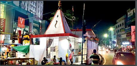 इसबार पंडालों में विराजेंगी मां दुर्गा, लेकिन पहले जैसी भव्यता नहीं, सजावट पर ही जोर, लॉकडाउन की आशंका से पूजा समितियां खर्च में कर रहीं कटौती|पटना,Patna - Dainik Bhaskar