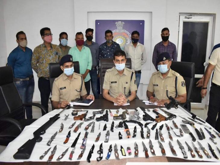 हाल ही में दुर्ग पुलिस ने अवैध हथियार जब्त किए थे।