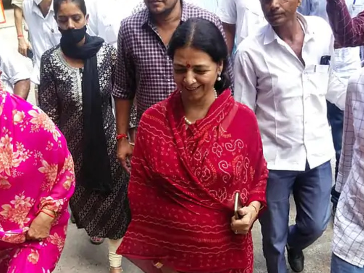 वोटिंग से पहले पार्टी ने सुलझाया मुद्दा, क्रॉस वोटिंग से बची पार्टी के बाद 21 सदस्यों को लीला का समर्थन, निर्दलीय नामांकन के बाद भी दिया पार्टी को समर्थन|जोधपुर,Jodhpur - Dainik Bhaskar