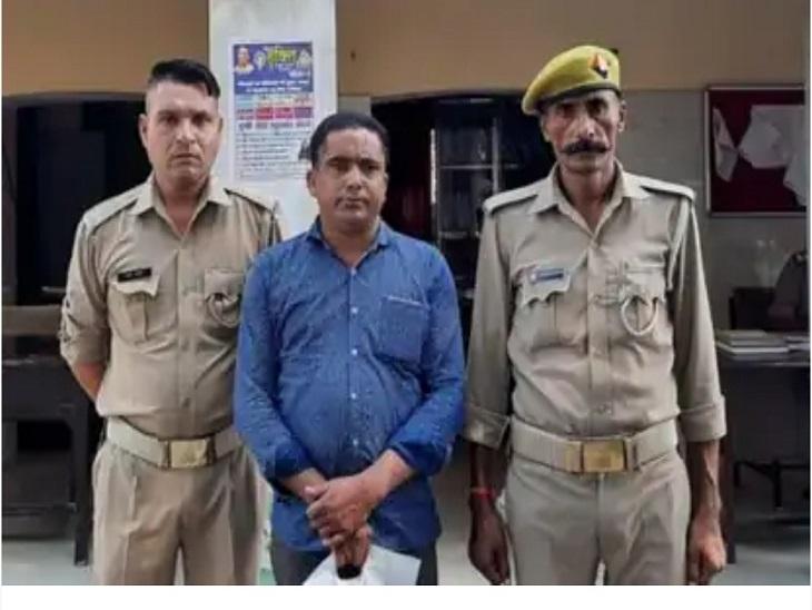 रविवार की शाम को सहारनपुर रोड स्थित पेट्रोल पंप के पास से आरोपी कैशियर को इंस्पेक्टर केपी सिंह नेगिरफ्तार कर लिया। - Dainik Bhaskar