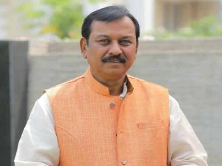 दुर्ग सांसद विजय बघेल ने बयान जारी कर राज्य सरकार पर सीधा हमला बोला है। - Dainik Bhaskar