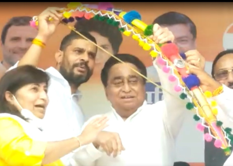 कांग्रेस की अधिकार यात्रा के खिलाफ BJP ने चलाया 'धोखा यात्रा' कैंपेन; शिक्षा मंत्री ने पूछा- 70 साल में सिलेंडर क्यों नहीं दिया, PCC ने भी जारी किया वीडियो|मध्य प्रदेश,Madhya Pradesh - Dainik Bhaskar
