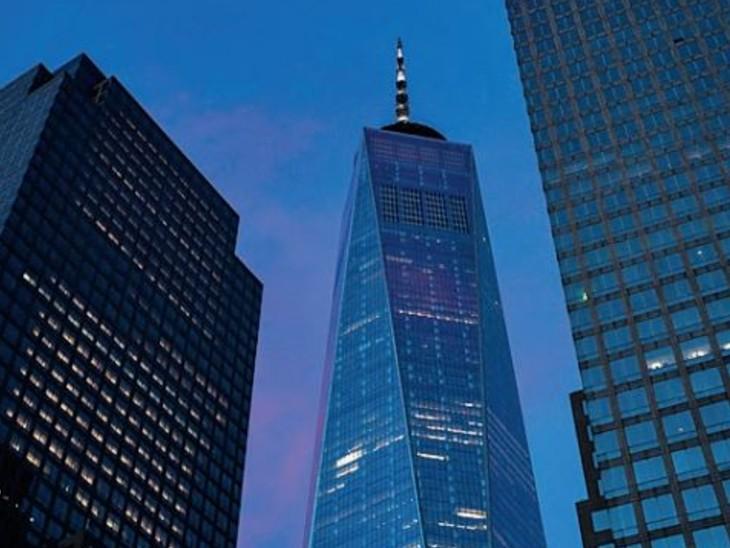 महामारी ने लोअर मैनहटन के जीवन का बहुत कुछ निचो़ड़ लिया है। कई बड़ी कंपनियों ने दफ्तर खाली कर दिए हैं। - Dainik Bhaskar