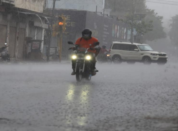 उदयपुर और कोटा संभाग में कहीं-कहीं 8 सितंबर और जयपुर-सवाईमाधोपुर के हिस्सों में 10 को भारी वर्षा की चेतावनी|जयपुर,Jaipur - Dainik Bhaskar