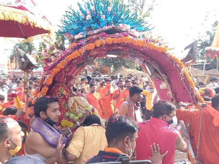 वापस महाकाल मंदिर पहुंची सवारी; रामघाट पर केंद्रीय मंत्री सिंधिया ने किया अभिषेक|उज्जैन,Ujjain - Dainik Bhaskar