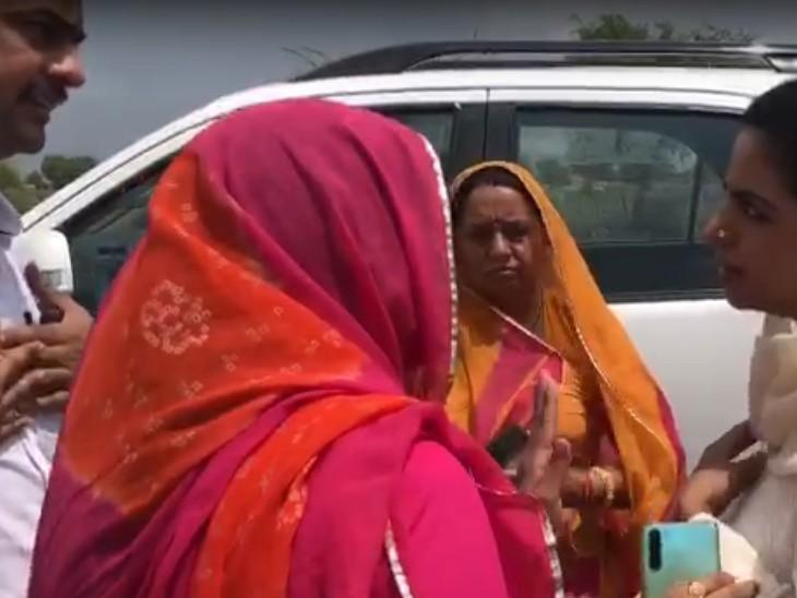 नेहा व मुन्नी को समझाने में लीला को आया जोर, बगावत को भांप नहीं पाए रणनीतिकार, गहलोत ने फटकारा|जोधपुर,Jodhpur - Dainik Bhaskar