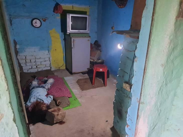 मृतक शालिनी जैन (24) की लाश उसके दोस्त भूपेंद्र गढ़वाल के घर में मिली है। वह घटना के बाद से ही फरार है। - Dainik Bhaskar