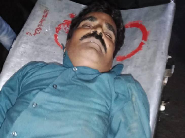 सरपंच के 18 साल के नाती ने हाईवे पर प्रॉपर्टी डीलर को गोली मारी; निशाना इतना सटीक था कि दिल को चीरते गोली निकली|भोपाल,Bhopal - Dainik Bhaskar