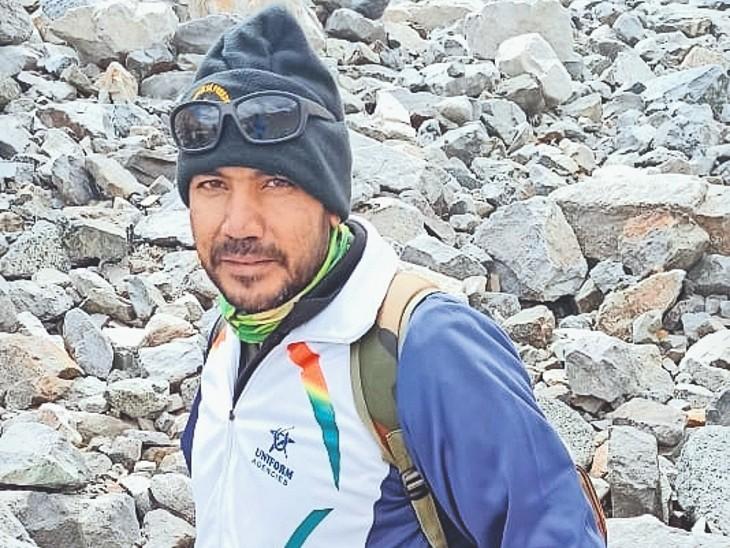 सियाचिन ग्लेशियर की 15632 फीट की चढ़ाई करेंगे महेश नौ दिव्यांग पर्वतारोहियों की टीम में राजस्थान से इकलौते|सीकर,Sikar - Dainik Bhaskar
