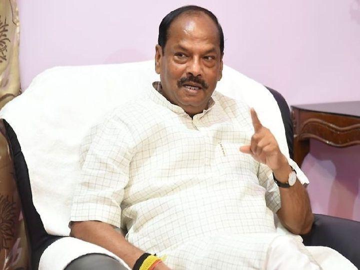 रघुवर दास ने कहा- संविधान की शपथ लेकर इस तरह संविधान के इस मंदिर में किसी धर्म या पंथ विशेष की तुष्टीकरण करना किसी भी सूरत में स्वीकार्य नहीं है।  - Dainik Bhaskar