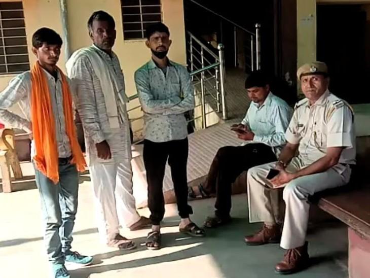 इलाज के लिए बसेड़ी गए थे दंपती और भाभी, देर रात लौटते समय कार ने कुचला; 1 की मौके पर मौत, 2 ने इलाज के दौरान तोड़ा दम भरतपुर,Bharatpur - Dainik Bhaskar