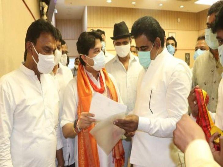 सांसद शंकर लालवानी ने इंदौर से सिंगापुर, सूरत और पुणे के लिए की फ्लाइट की मांग|इंदौर,Indore - Dainik Bhaskar