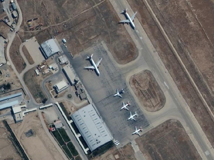 मजार-ए-शरीफ के एयरपोर्ट पर खड़े 6 कमर्शियल प्लेन। - Dainik Bhaskar