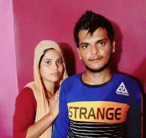 शादी करने के बाद निशा और अमित - Dainik Bhaskar