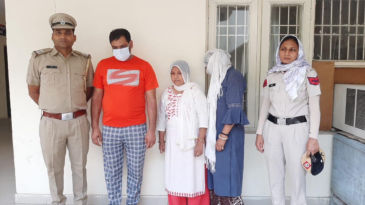 भ्रूण लिंग जांच मामले में गिरफ्तार तीनों आरोपी। - Dainik Bhaskar
