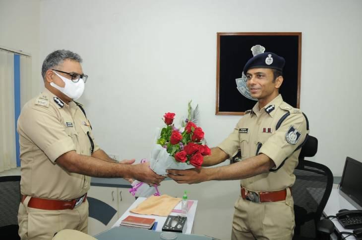 अपराध पर अंकुश लगाने में एक्सपर्ट हैं आईजी संतोष कुमार सिंह, बोले- अपराधी कितना भी रसूखदार हो तत्काल और प्रभावी कार्रवाई होगी|उज्जैन,Ujjain - Dainik Bhaskar