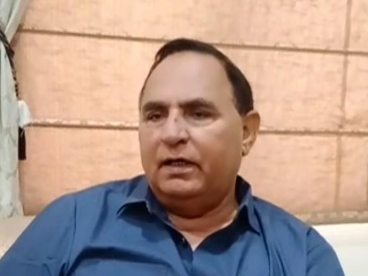 भाजपा के पूर्व केबिनेट मंत्री डॉ रोहिताश्व शर्मा ने कहा- कांग्रेस नेता इंदिरा गांधी की तरह भाजपा में भी नेताओं को ठिकाने लगाया जा रहा|अलवर,Alwar - Dainik Bhaskar