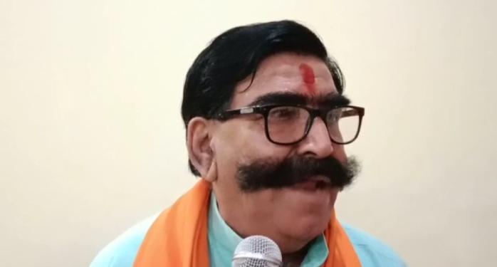 श्रीगंगानगर आए पूर्व विधायक ज्ञानदेव आहूजा। - Dainik Bhaskar