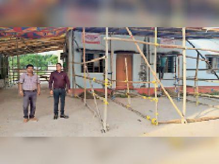 नामांकन के लिए हसनगंज में  की गई बैरिकेडिंग। - Dainik Bhaskar