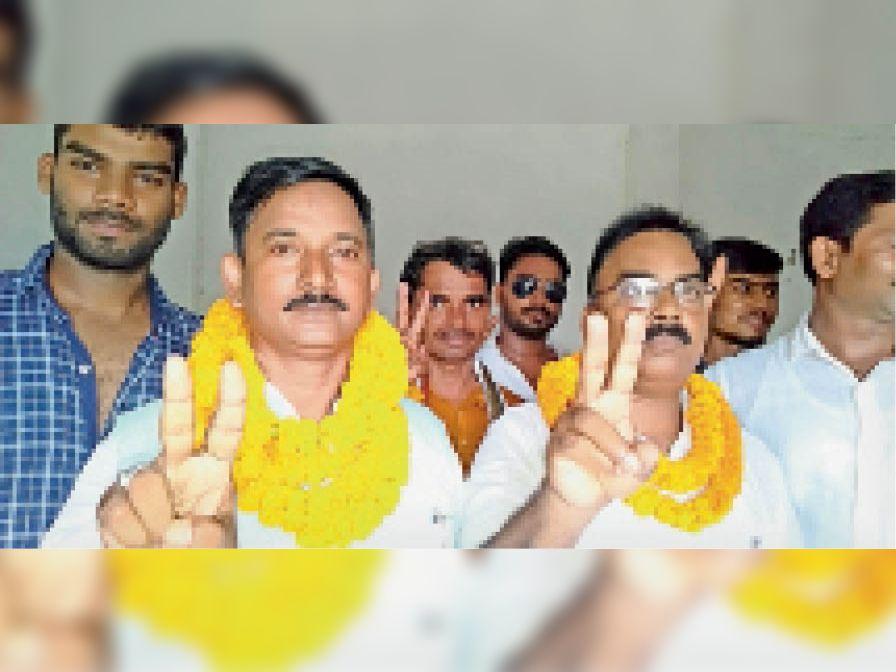 नामांकन के बाद दावथ प्रखंड उप प्रमुख। - Dainik Bhaskar