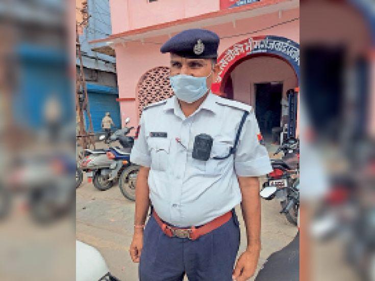 बारां. ट्राफिक पुलिस को मिला बॉडी वार्नर कैमरा। - Dainik Bhaskar