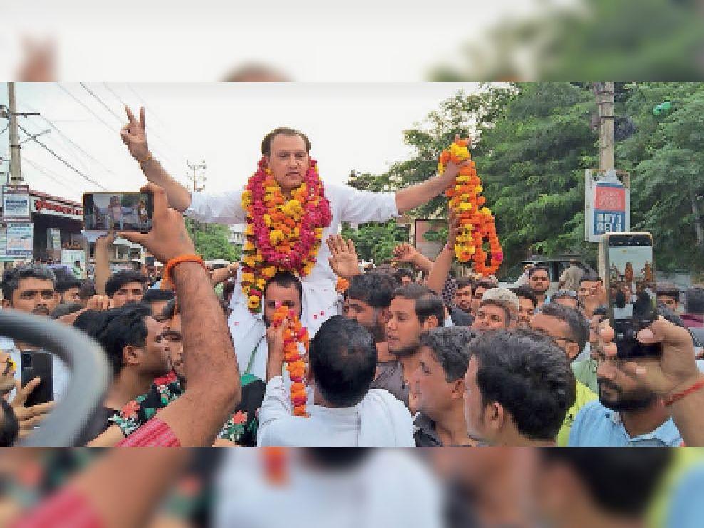 प्रोफाइल...जगत सिंह : उम्र 53 वर्ष, शिक्षा बीबीए, लक्ष्मणगढ़ (अलवर) और कामां (भरतपुर) से विधायक रह चुकेे हैं। - Dainik Bhaskar