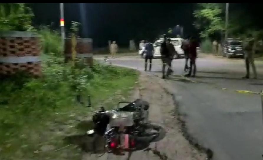 थाना न्यू आगरा अंतर्गत पोइया घाट पर पुलिस और बदमाश की मुठभेड़ हुई। - Dainik Bhaskar