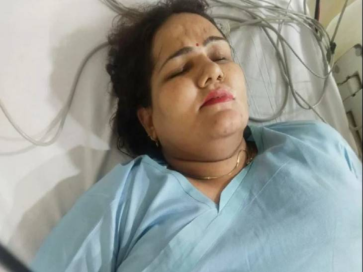 गाजियाबाद में साहिबाबाद मंडी के सामने सुबह एक महिला को गोली मार दी गई। इसका आरोप उसके पति व बेटे पर है। - Dainik Bhaskar