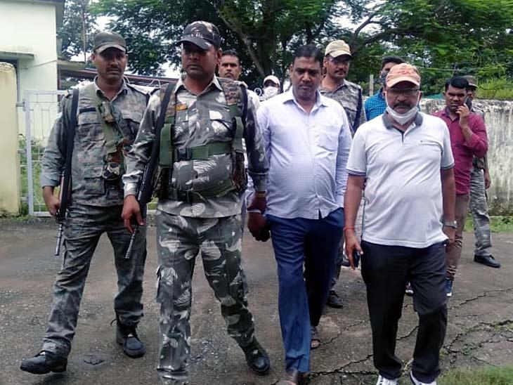 एसीबी ने विनय कुमार को बीडीओ आवास में ही घूस लेते रंगे हाथों गिरफ्तार कर लिया। - Dainik Bhaskar