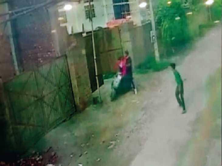 सुबह 7 बजे के करीब सलेम टाबरी में एक्टिवा सवारों ने की वारदात, जख्मी छात्र शुभम का सीएमसी में इलाज जारी। - Dainik Bhaskar