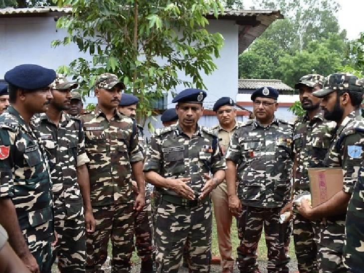 सेना और वायु सेना के साथ ही अब सशस्त्र बलों के अफसरों को भगवद् गीता और कौटिल्य के अर्थशास्त्र का ज्ञान मिलेगा। (फाइल फोटो) - Dainik Bhaskar