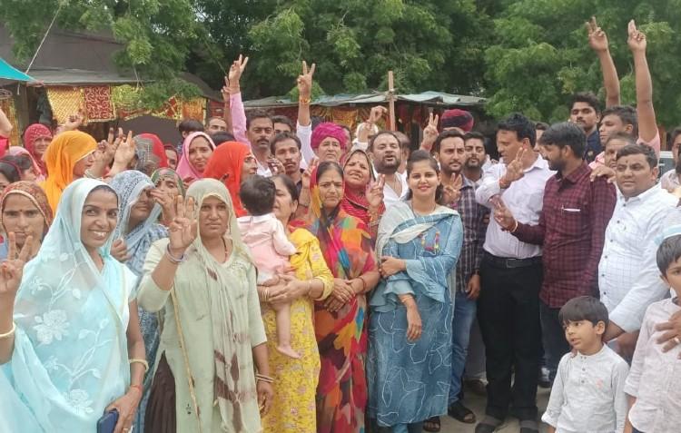 गुटबाजी और भीतरघात के कारण आज भी कई जगह उलटफेर की संभावना; छह जिलों में पूरे हो जाएंगे पंचायतीराज चुनाव|जयपुर,Jaipur - Dainik Bhaskar