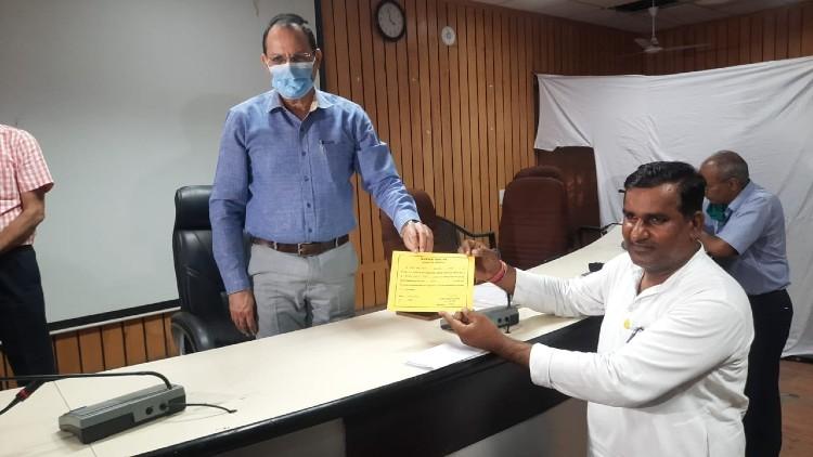 बीजेपी में क्रॉस वोटिंग से जयपुर उप जिला प्रमुख का चुनाव जीते कांग्रेस के मोहन डागर, कल बीजेपी ने जिला प्रमुख चुनाव जीता था|जयपुर,Jaipur - Dainik Bhaskar